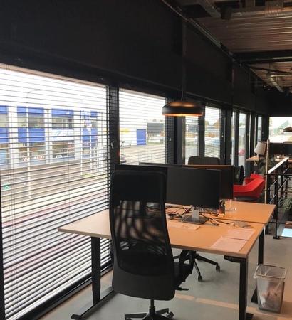 raambekleding kantoor aluminium jaloezie